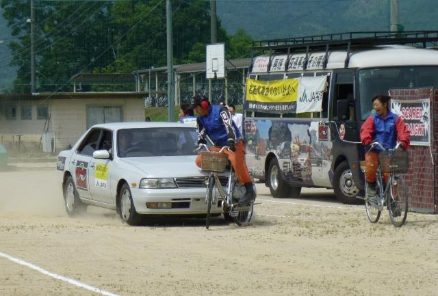 高等学校で自転車交通安全教室 ...